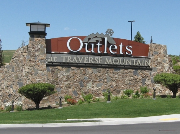 Traverse-Mountain-Outlets
